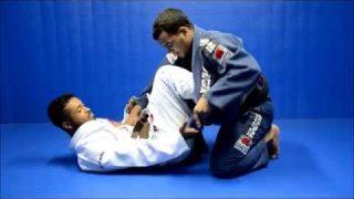 Posição de Jiu-Jitsu exclusiva: anule a guarda de lapela, com o faixa-preta